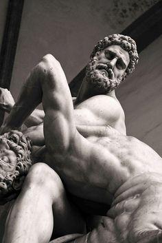 sculptură penis de ce s- a umflat penisul