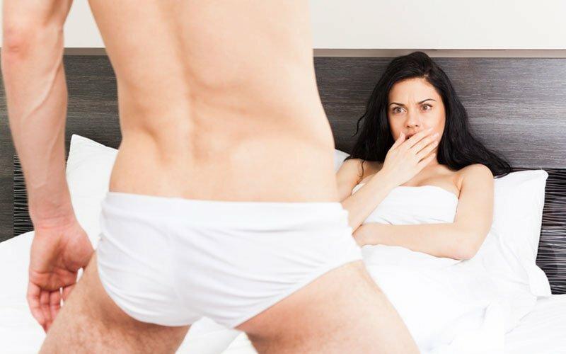 erecție frecventă cu durere frecând două penisuri