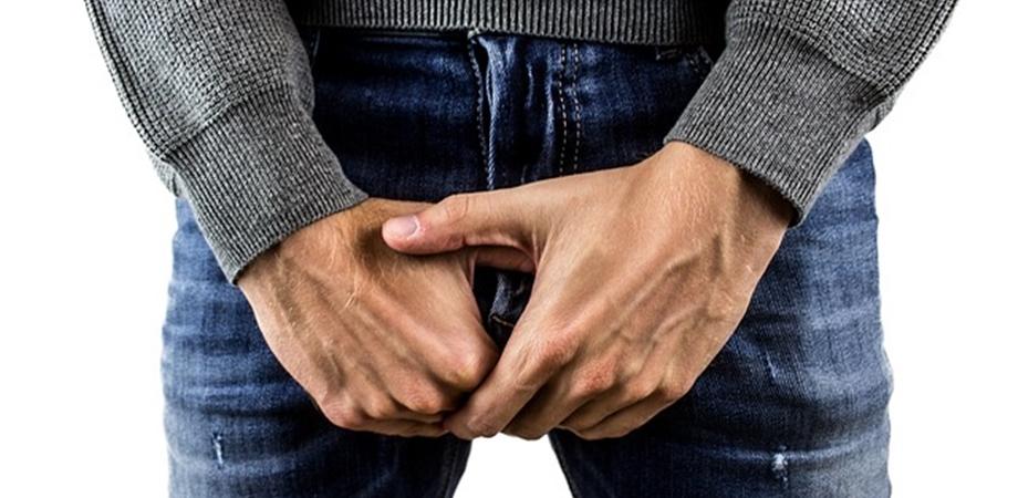 penisul rece și testiculele bărbatul a oprit erecția